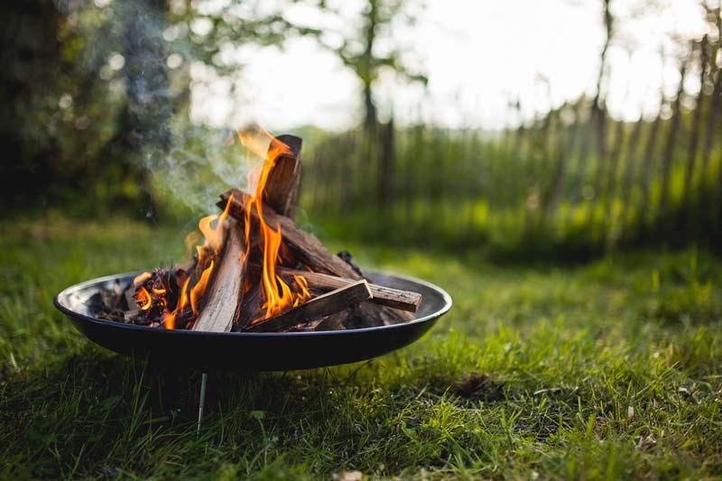 Campfire stoves and firepits